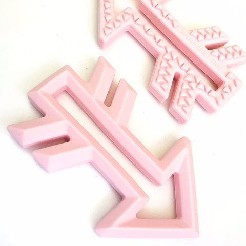 TEETHER // ARROW (PINK)