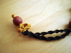 Macramè Retro Necklace with Red Wooden Beads