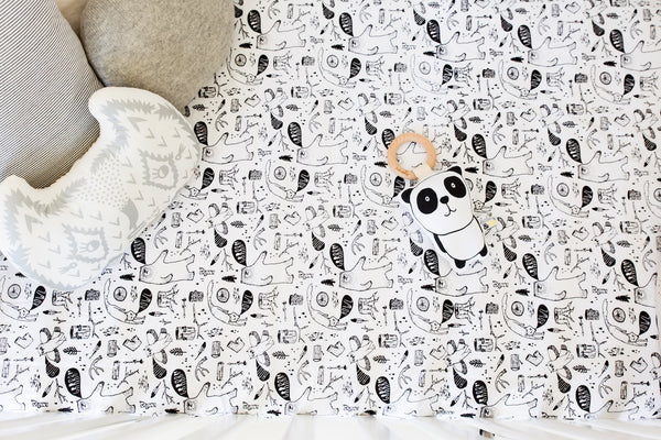 Finch & Folk Organic Cotton Fitted Sheet - Wild Things - Monochrome