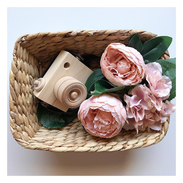 Blossom & Bee Kids Wooden Toy Camera - Heirloom Natural
