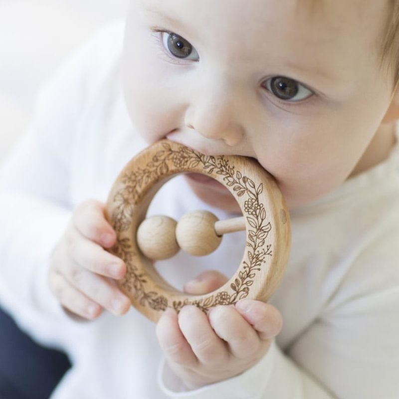 Babee & Me - Natural Wooden Wreath Teething Rattle Ring