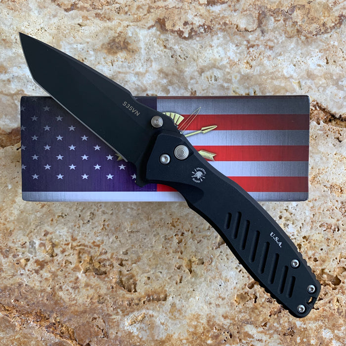 Pallas Button Lock Tanto - Black Out