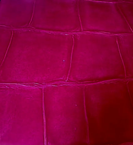 Lucy Large Crocodile Wallpaper - Fuschia Pink