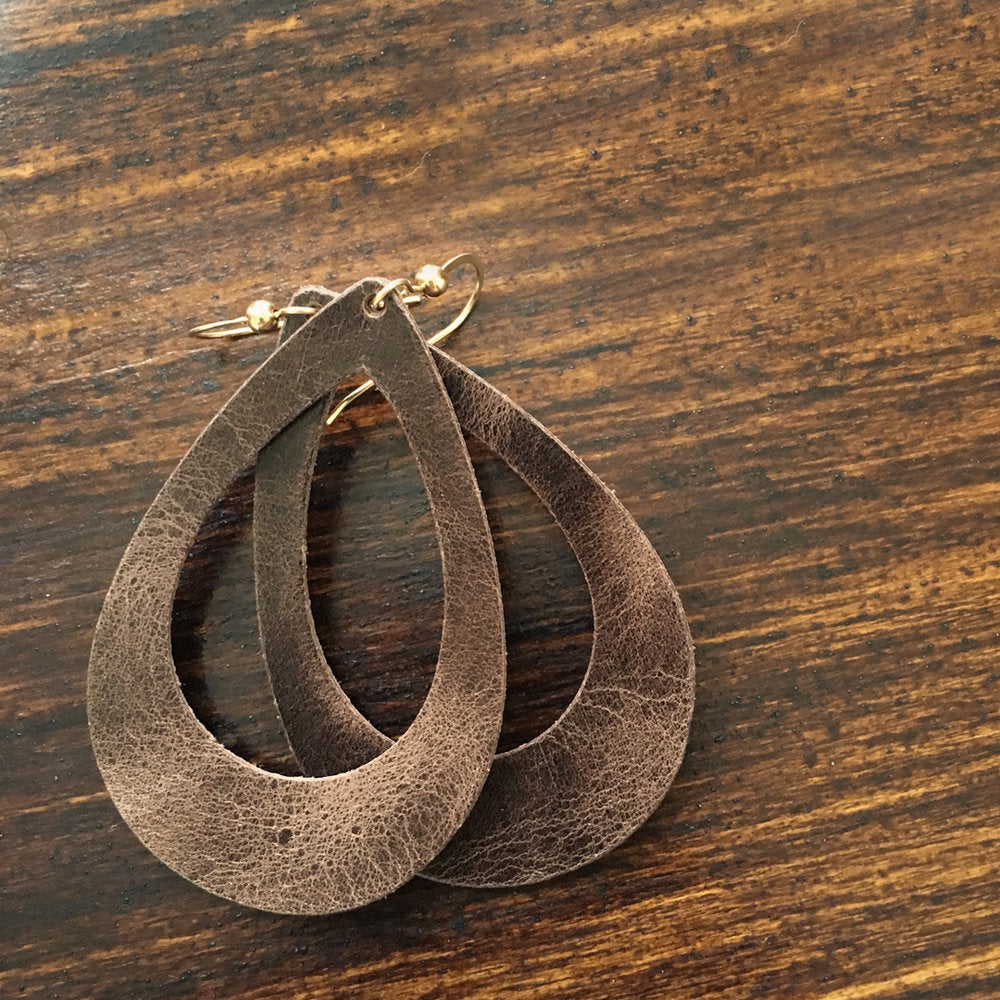 Vintage Teardrop Cutout Leather Earrings