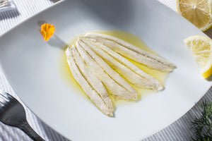 """Boquerones"" White Anchovies in Extra Virgin Olive Oil [120g Tray] - ARC IBERICO IMPORTS"