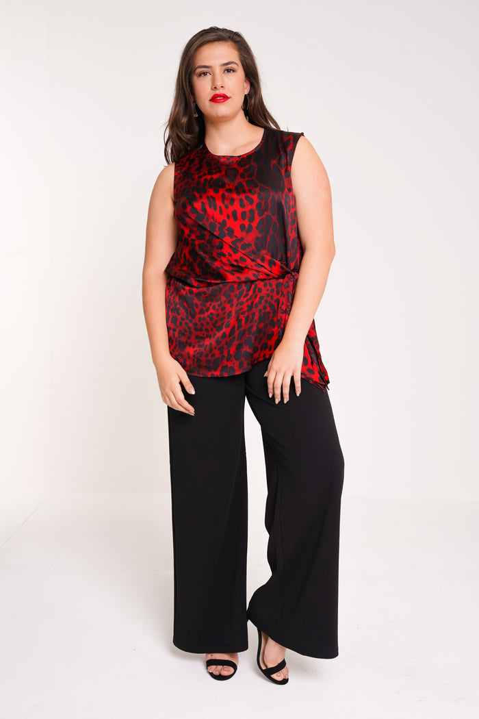 UNIQUE21 HERO Red Leopard Sleeveless Tie Front Top
