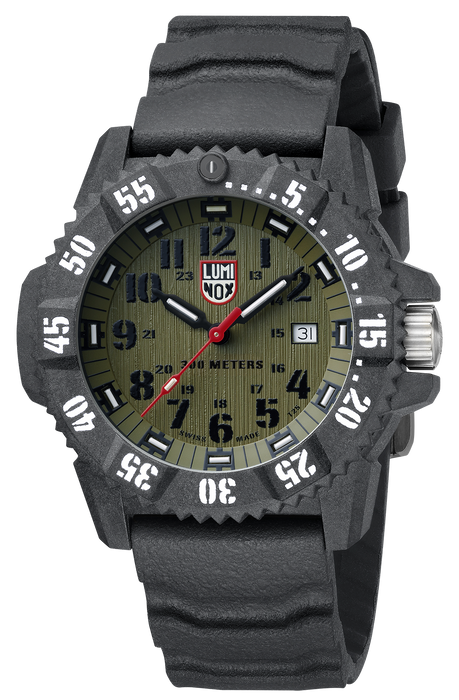 The textured strap with horizontal ridges creates an image of ruggedness that continues into the case, dial, and face of the watch. The white second numerals are emboldened for easy readability as well as the hour numerals that are black on the green textured background. The black hour hands and red second hands of the analog display match the style of the watch and brings attention to the tastefully placed Luminox logo below the 12.