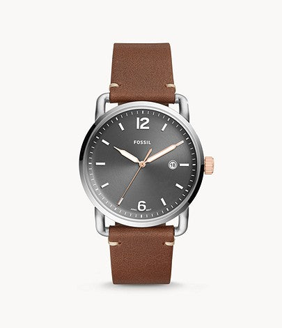 This watch features a vintage brown leather strap paired with a gun metal grey face, the stainless steel case and fixed bezel adds a touch of lightness.