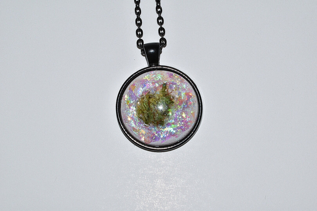 Unicorn Tears Bud Necklace