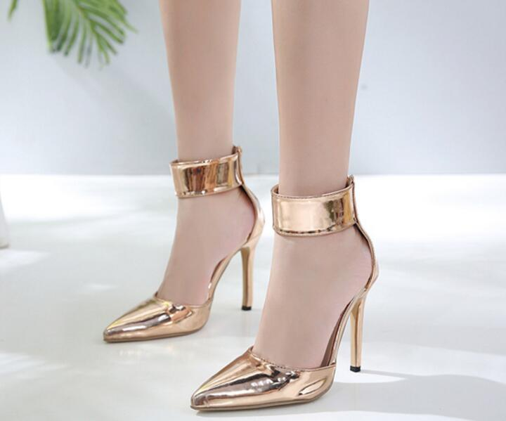 Bionda Pumps