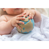 oli-&-carol-earthy-the-world-ball-teether- (21)
