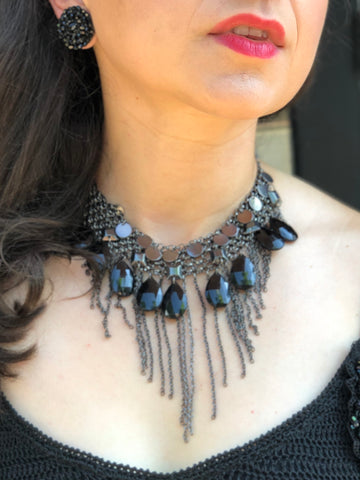 Retro 90's Dark Silver Gunmetal Chainmail and Black Teardrop Bead Bib Collar Dangle Necklace