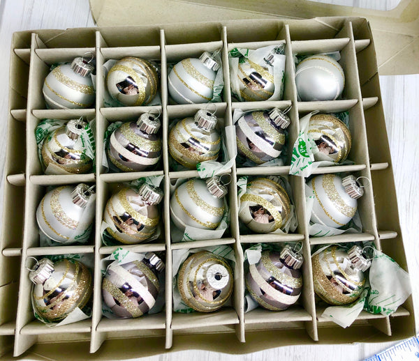 20 Christopher Radko Shiny Brite Nostalgic Silver Gold White Glass Ornaments Set