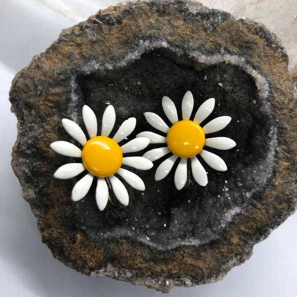 Vintage Flower Power Yellow & White Daisy Clip Earrings