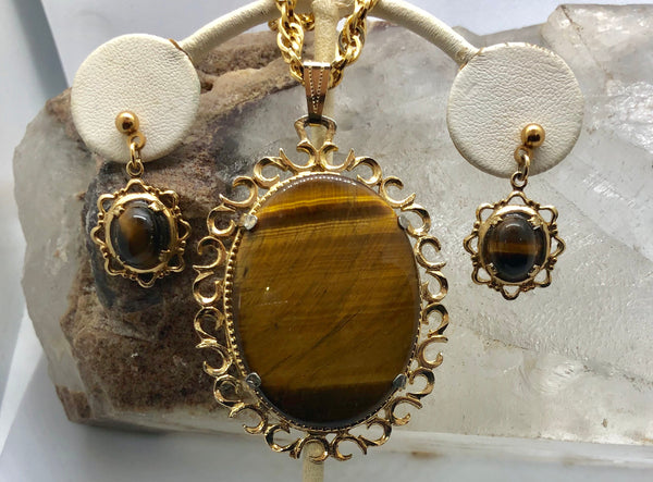 Tiger Eye Cameo Medallion Gold Tone Necklace & Earring Set