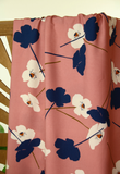 Old pink poppies viscose - € 24,5 / m