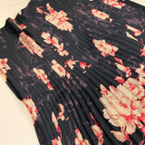 Dark blue pleated fabric with pink flowers - piece of 110 by 70cm - € 43