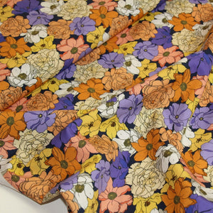 Cotton with colorful flowers - €19,5/m
