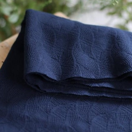 Organic leaf jacquard - Indigo night blue - €25,9/m