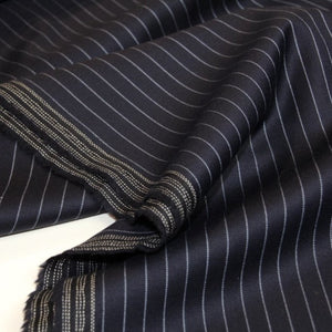 Woolen fabric with pinstripe - €26/m