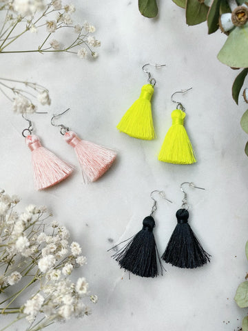 SHORT TASSEL EARRING