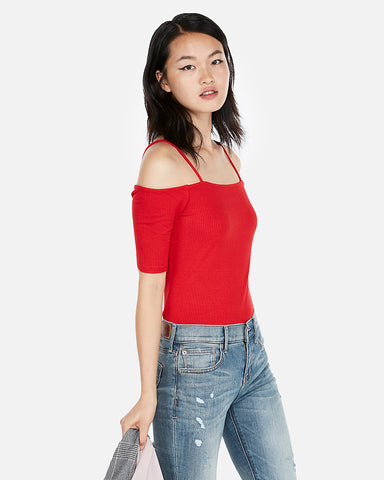 Ribbed Off The Shoulder Tee In Red