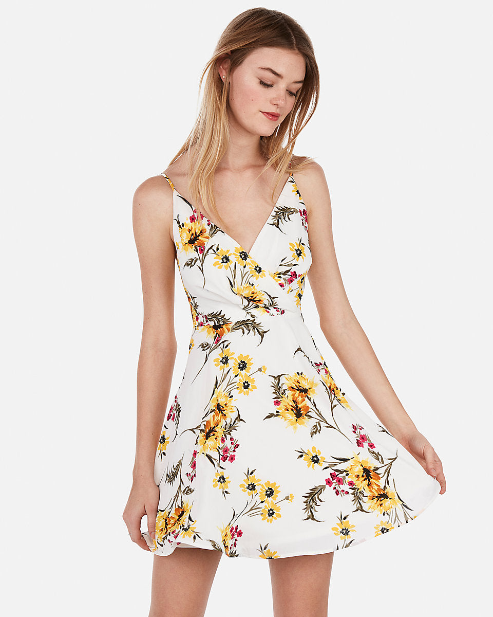 8ccbcdb48fc80 Floral Surplice Fit And Flare Cami Dress in Print