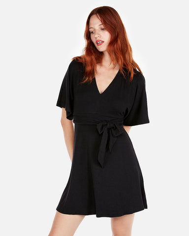 Tie Front Kimono Sleeve Dress In Black
