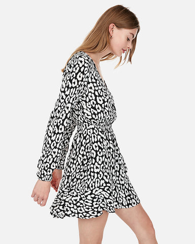 Animal Print Elastic Waist Wrap Dress in Black And White