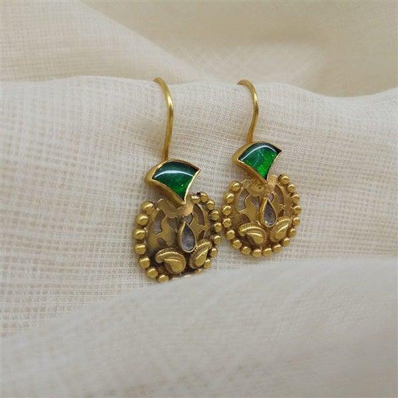 Small Kundan Earring with antique work and green stone