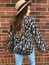 Load image into Gallery viewer, AMELIA Floral Top