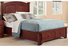 Hamilton/Franklin Panel Bed with Storage - Vaughan Bassett