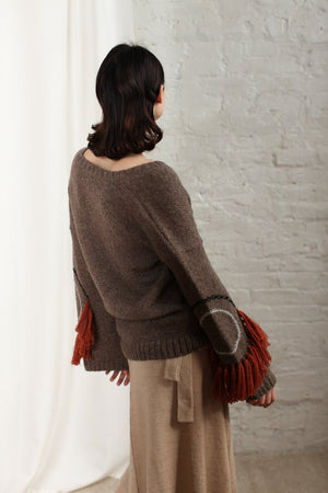 CIRCLE FRINGE SWEATER STONE GREY