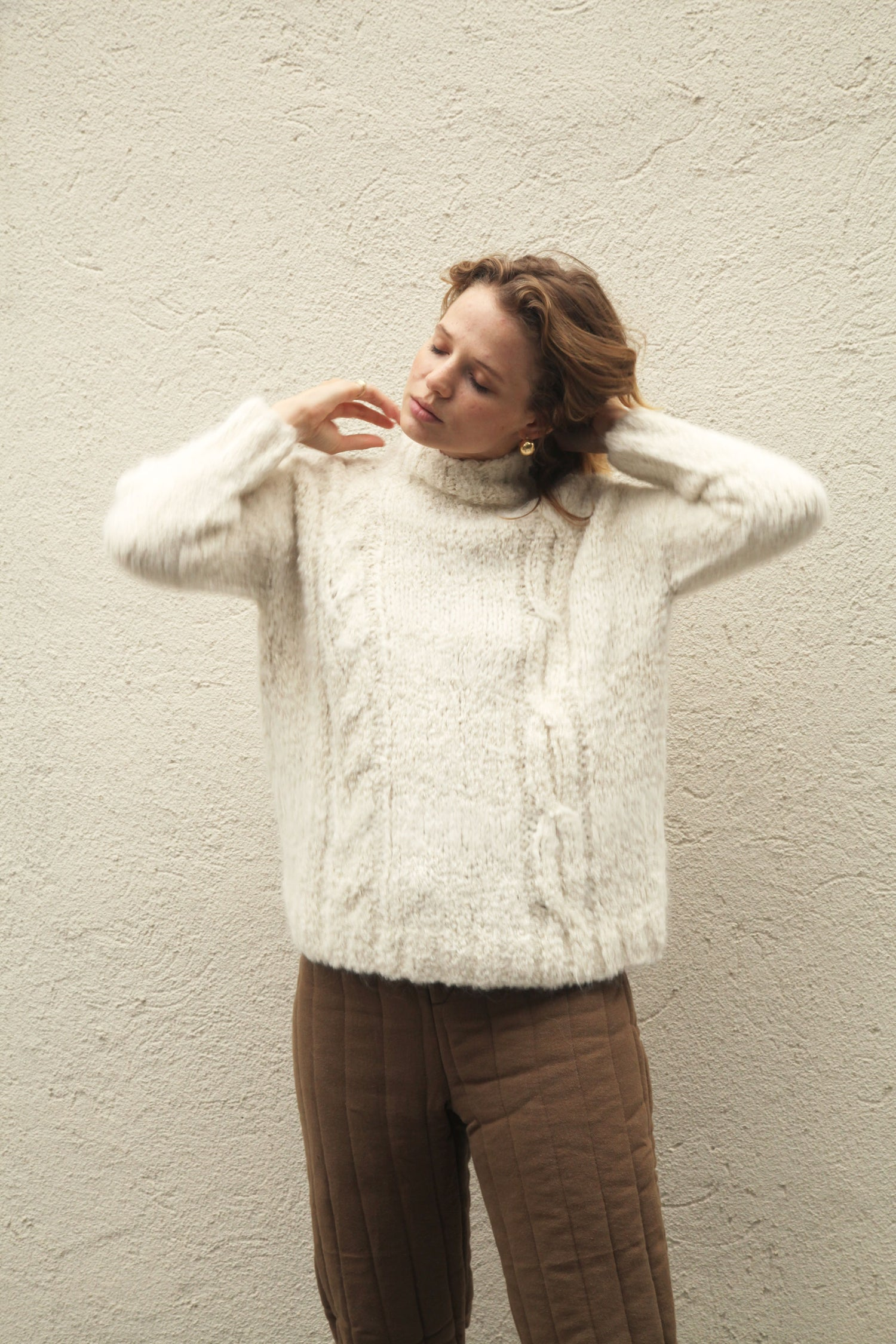 Clarke Sweater Cream grid image