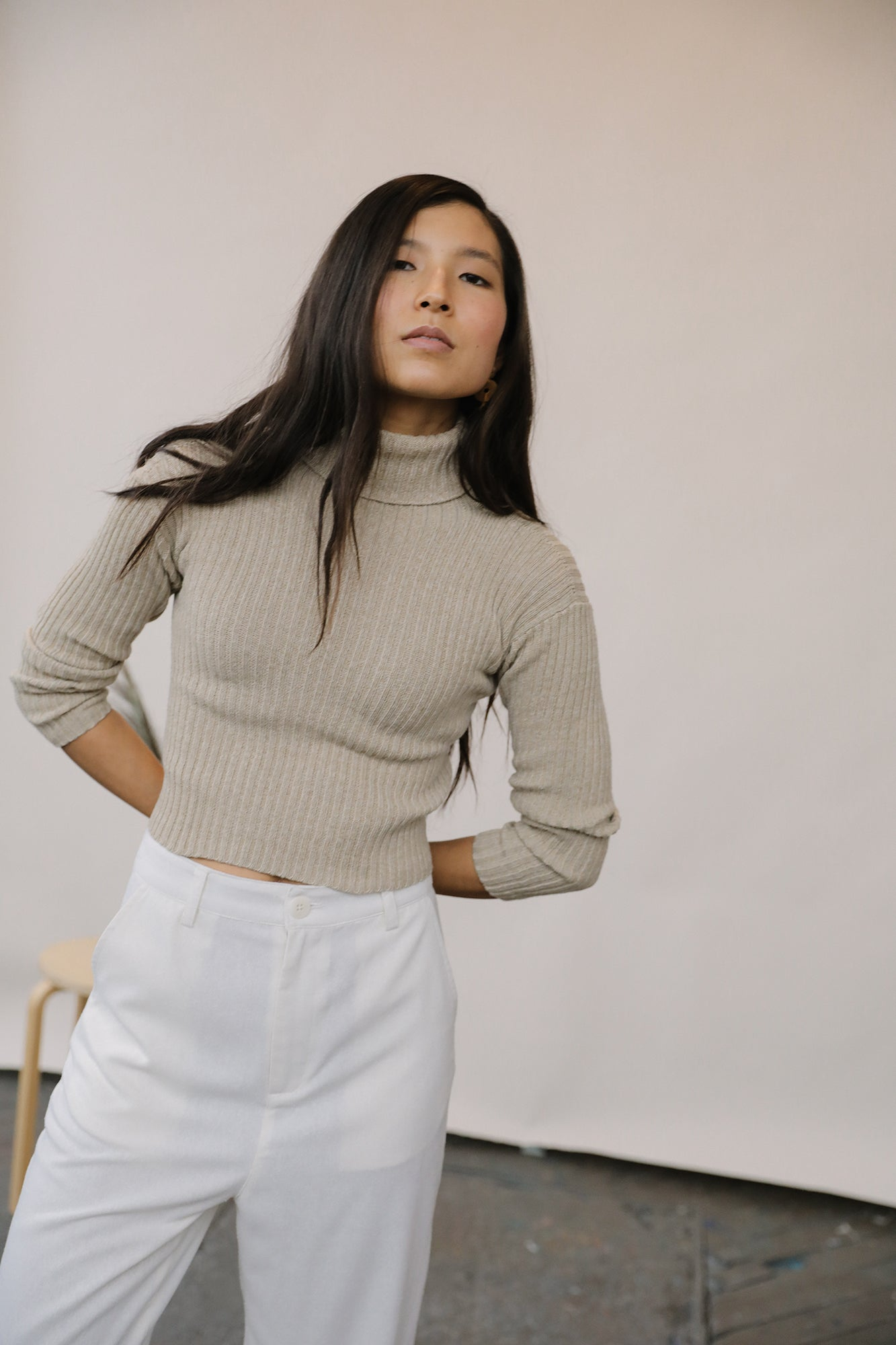 Mari Turtleneck Sweater Sand grid image