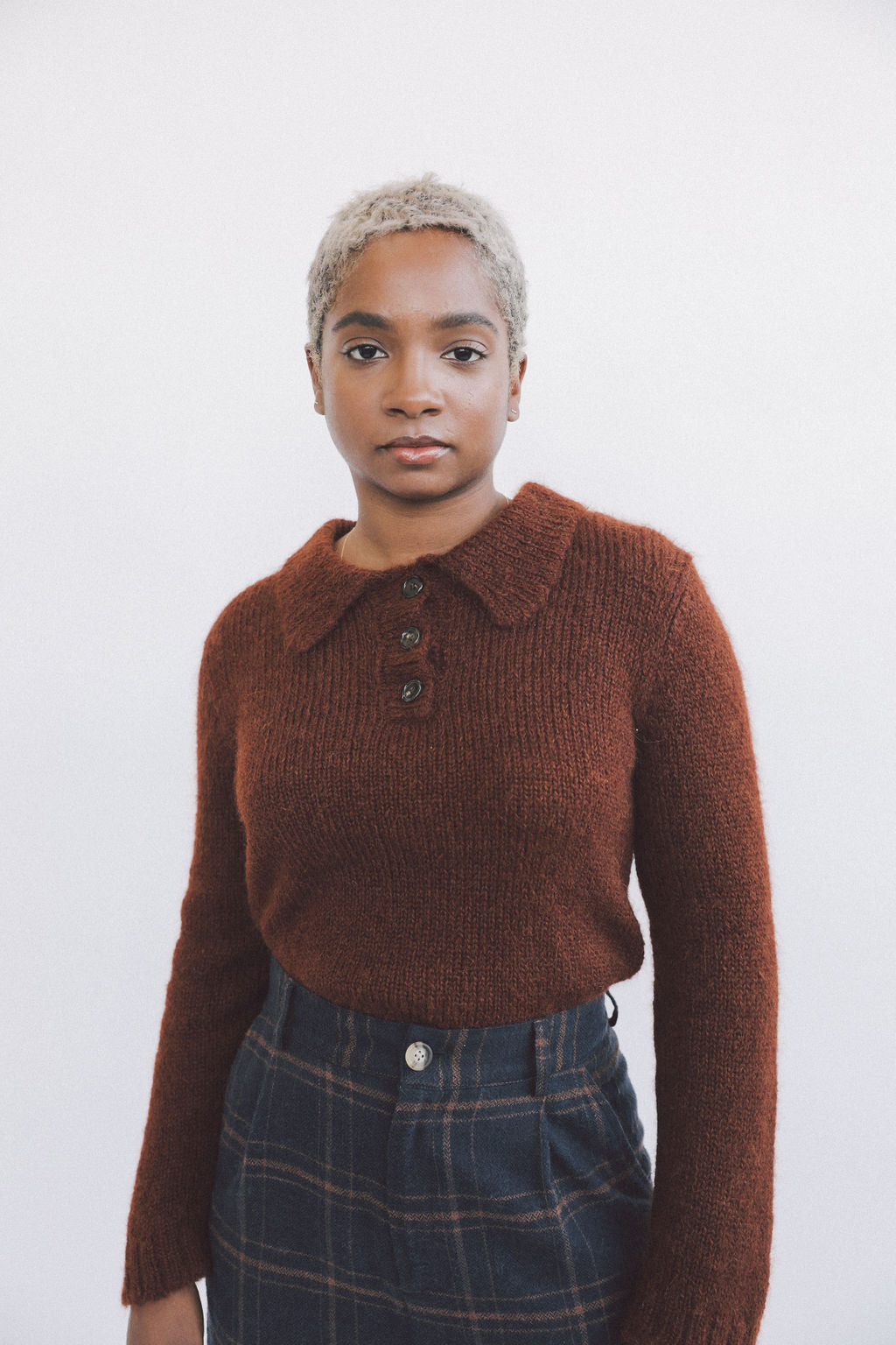 Remy Collared Sweater Brown grid image