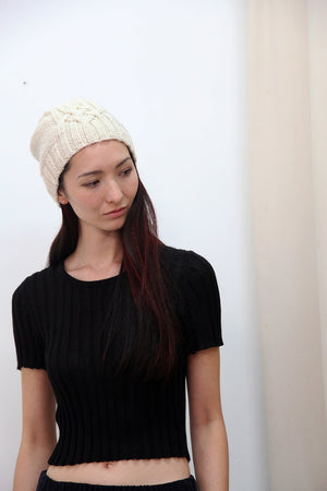 CABLE KNIT HAT CREAM