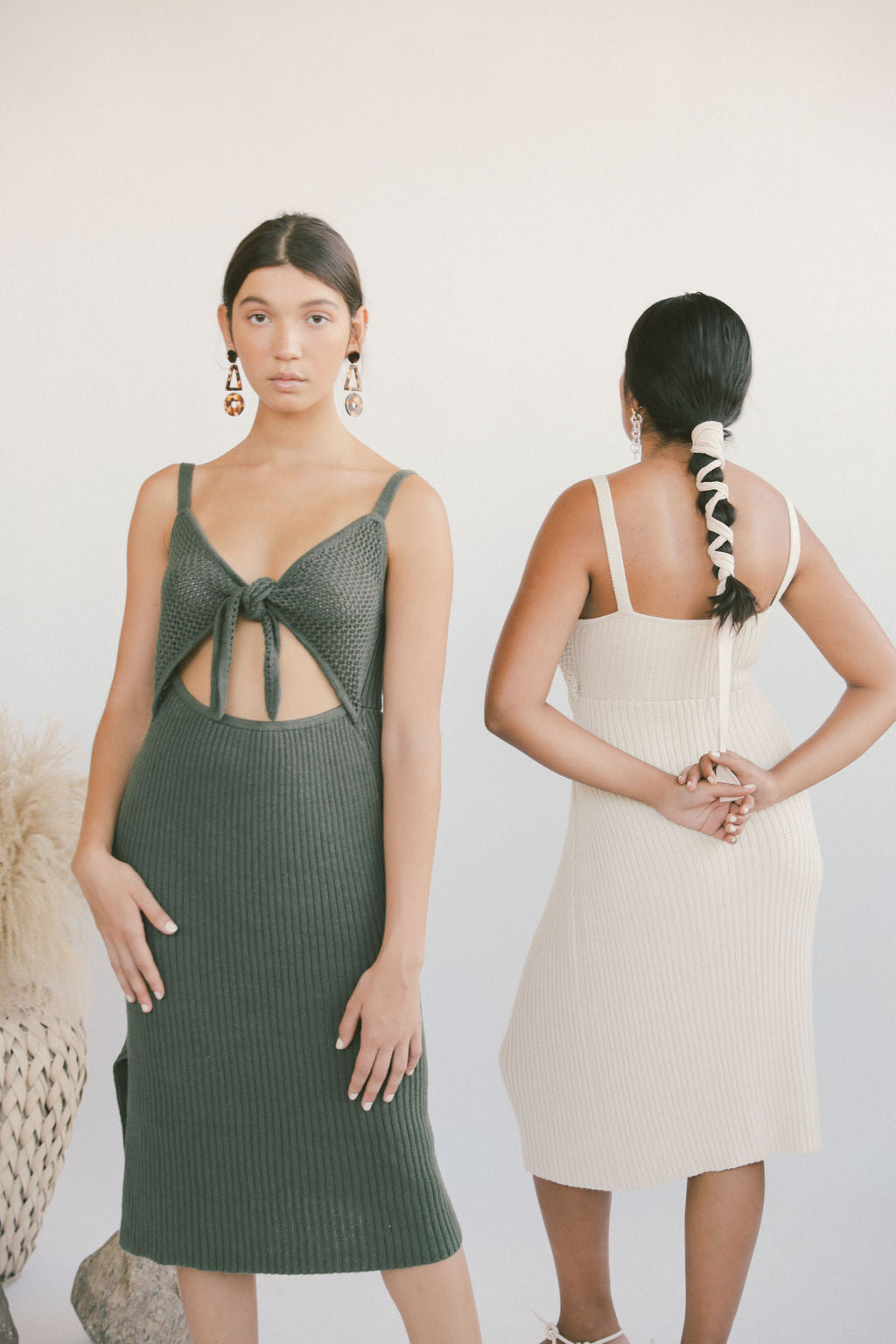 Caliente Dress Olive grid image