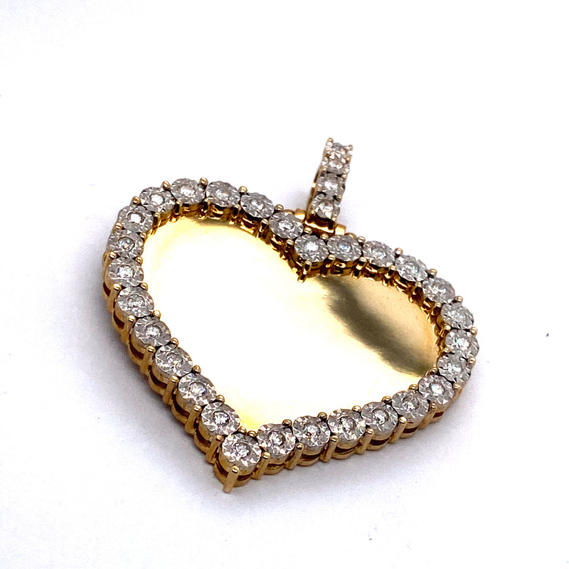 10Kt Yellow Gold Heart Picture Pendant 0.84CTW Diamonds