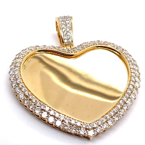 10Kt Yellow Gold Heart Picture Pendant 6.00CTW Diamonds
