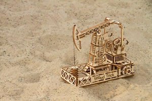 Oil Derrick - One of the most complicated Woodtrick's wooden mechanical model.