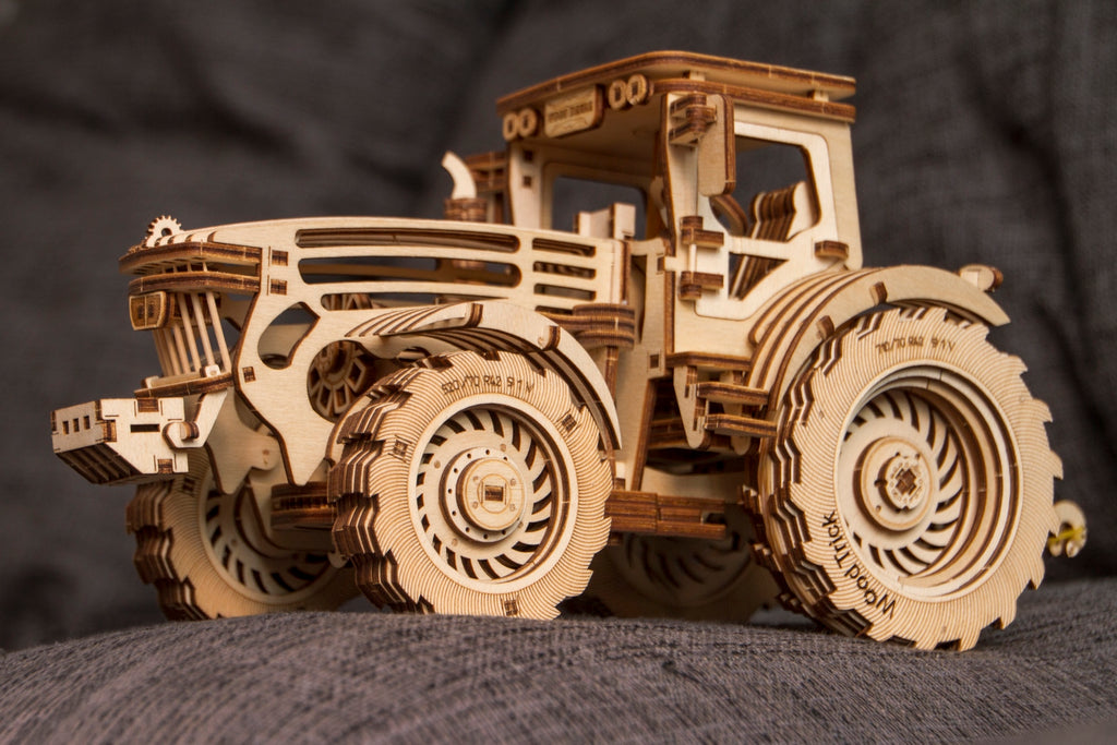 Tractor wooden toy