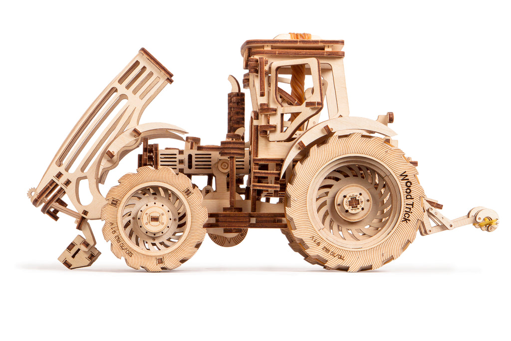 Tractor - wooden 3D mechanical model