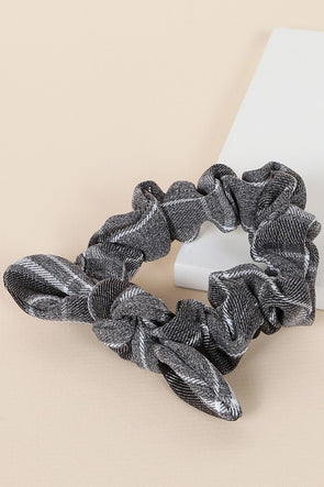 Plaid Scrunchie with Single Knot Black