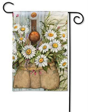 Fresh Picked Daisies Garden Flag