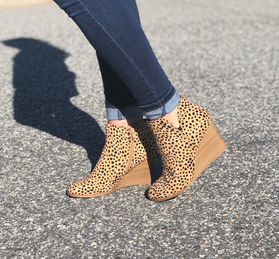 Talk of the Town Wedges Leopard