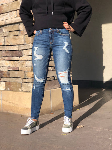 Ivy Distressed Skinny Jeans