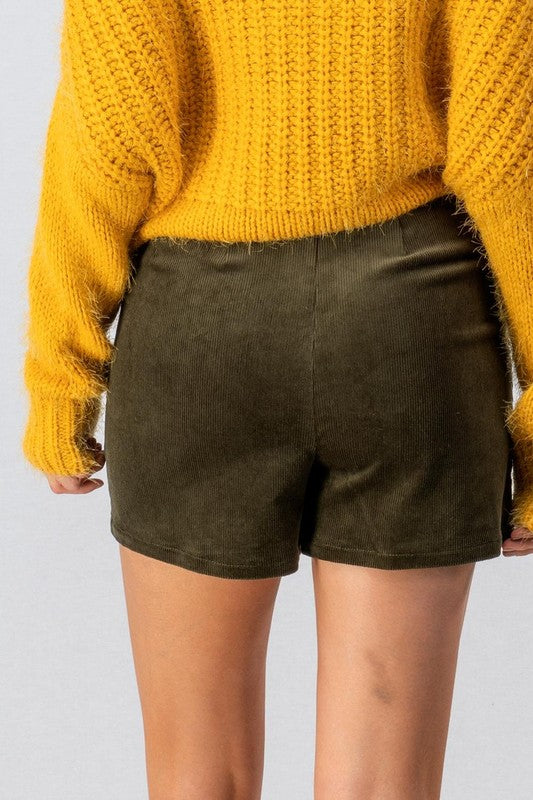 Shortie Cordy Olive Shorts
