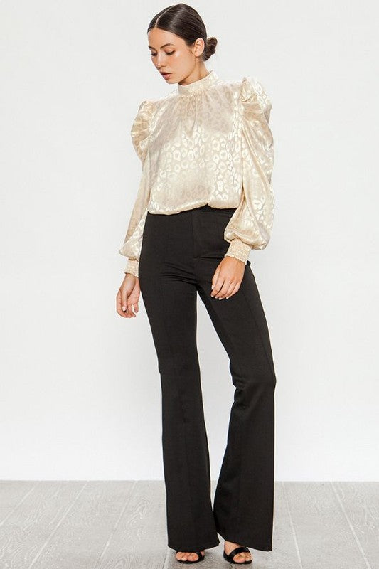The Naomi Blouse in Champagne