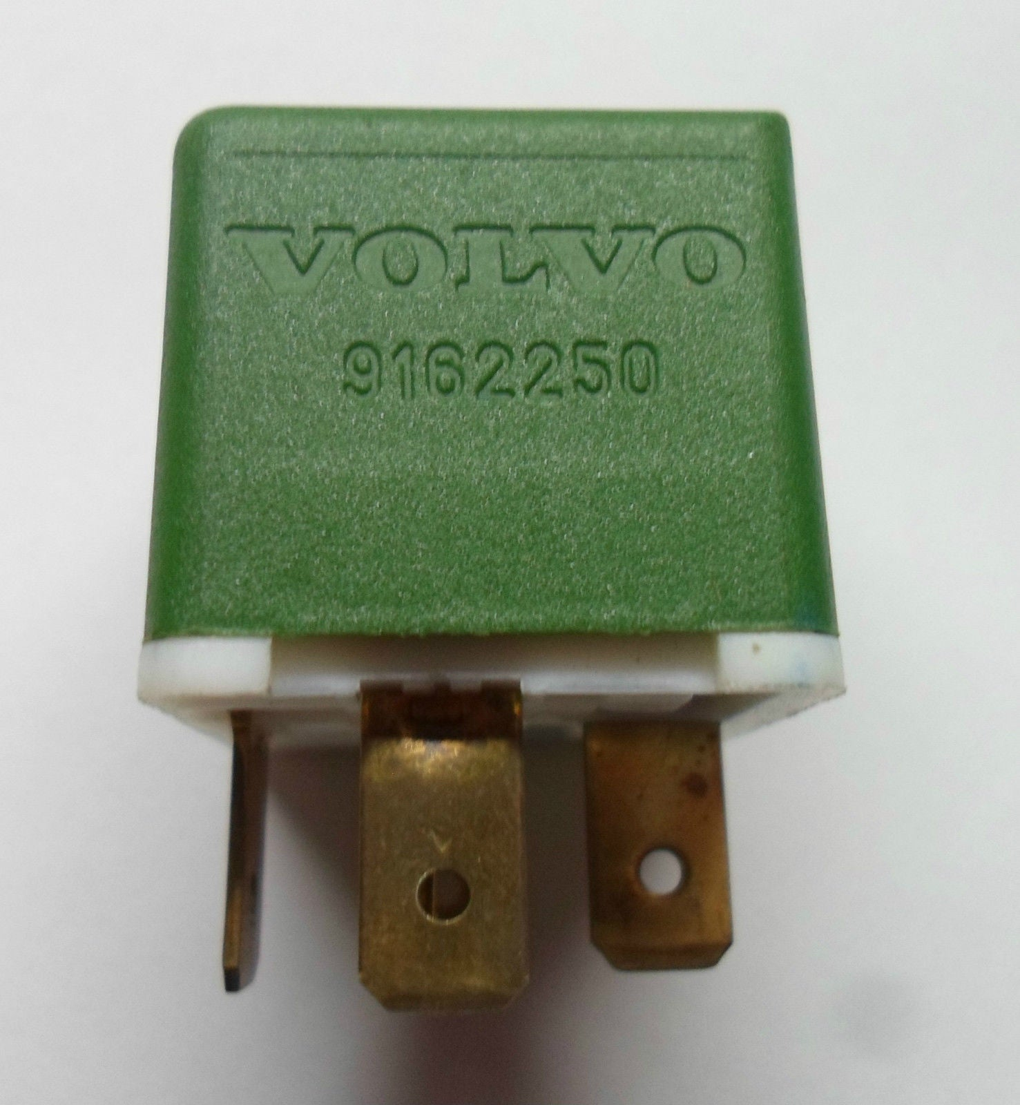 VOLVO  RELAY 9162250 TESTED  OEM  FREE SHIPPING! 6 MONTH WARRANTY! V2